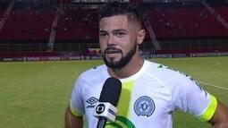 Lourency comemora gol marcado assim que entrou em campo pela Chapecoense