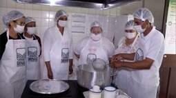 Produtores de Goiabal, distrito de Valadares, recebem curso de derivados do leite