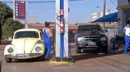 Motoristas de MS abastecem veículos no Paraguai para economizar