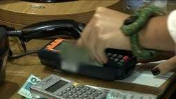 Cresce o número de compras através do débito eletrônico