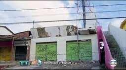 Desabamento parcial de casa deixa criança morta e adultos feridos no Grande Recife