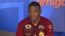 Alan Mineiro fala sobre momento no Vila Nova e diz que sonha em retornar ao Corinthians