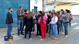 Pais querem explicação para escola fechada em Osasco