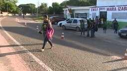 Pais de alunos reivindicam por sinalização em frente a escola infantil de Macapá