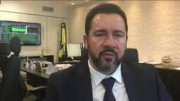 Ministro diz que serviços públicos podem piorar se revisão da meta fiscal não for aprovada