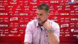 Vagner Mancini discute com jornalista após triunfo do Vitória contra o Corinthians