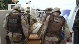 Corpo de PM que morreu após participar de teste de aptidão é enterrado em Petrolina