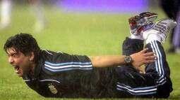 Em 2009, Argentina vence Peru e Uruguai nas duas últimas rodadas e vai à Copa