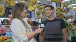 Chef Fábio Watanabe faz passeio pelo Mercado Municipal de Mogi e prepara receita
