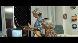 Maria Menezes e Rita Brandi fazem encenação para a despedida do sinal analógico