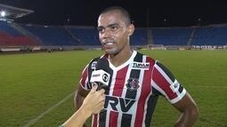 Wellington Cézar comemora primeiro gol pelo Santa Cruz em empate com o Londrina
