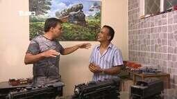 Reveja: Mário conhece pintor de quadros
