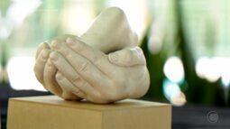 Arte em gesso: veja como fazer uma recordação belíssima da família ou amigos