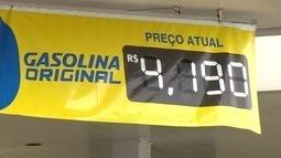 Motoristas reclamam de preços iguais em postos de gasolina de Aracruz, ES