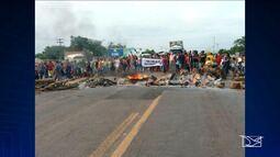 Manifestantes interditam BR-316 no Maranhão
