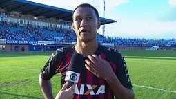"""Fabrício tenta explicar pênalti perdido: """"Peguei mal na bola, com muita força"""""""