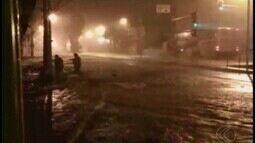 Chuva causa enchente e estragos em Uberaba; veja o vídeo