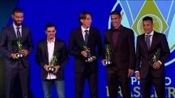 Vanferlei, Fágner, Geromel, Balbuena e Arana formam a defesa do Campeonato