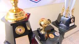 Federação apresenta troféu do campeonato intermunicipal de futebol em Euclides da Cunha