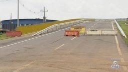 Viaduto da três meio tem inauguração adiada