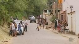 Vítimas de atirador são enterradas no cemitério de Itajubá (MG)