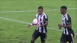Gol do Figueirense! Jhonathan bate pênalti no alto e diminui aos 21 do 2º tempo