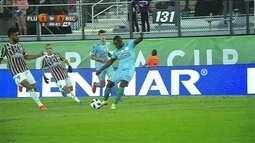 Gol do Barcelona-EQU! Castillo corta Diogo e acerta lindo chute colocado, aos 48 do 2º