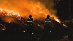 Incêndio atinge caçambas de entulho social na zona norte de Ribeirão Preto