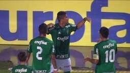 Gol do Palmeiras! Yan pega o rebote e empata de cabeça aos 30 do 2º tempo