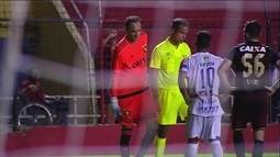 Troféu Alberto Roberto: Goleiro Magrão simula lesão e pisca para companheiro