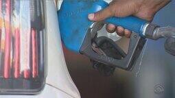 Especialista responde se vale a pena abastecer a gasolina do carro em cidade vizinha