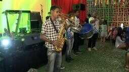 Blocos animam foliões em Maceió