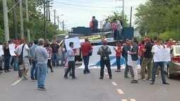 Grupo faz protesto contra reforma da Previdência em Manaus