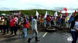 Manifestantes contrários à reforma da Previdência liberam rodovias em Alagoas