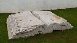 Polícia investiga roubo de escultura da bienal de Curitiba