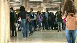 65 mil alunos voltam às aulas nesta segunda