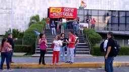Manifestantes protestam contra reforma da previdência em Natal