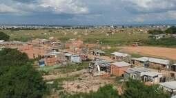 PM cumpre reintegração de posse em área ocupada por mais de 3 mil pessoas