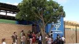 Pais e alunos voltam pela primeira vez à creche Gente Inocente em Janaúba