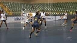 Brasil enfrenta o Paraguai pelo Pan-Americano Júnior de handebol, em Goiânia