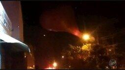 Balão cai no Bairro São José, em Campinas (SP), e causa transtornos