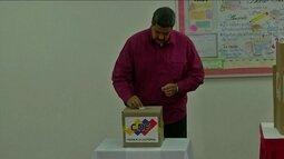 Eleição na Venezuela é marcada por denúncias de irregularidades