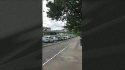 Motoristas esperam até três horas para abastecer o carro em Florianópolis