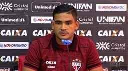 Júnior Brandão espera continuar fazendo gols pelo Atlético-GO