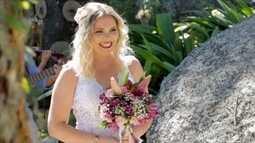 Cerimônia religiosa, festa e até o vestido! Noivo preparou casamento surpresa para noiva