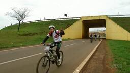 Rota das Catedrais leva quase 600 ciclistas de Londrina para Maringá