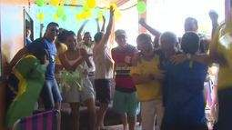 Os jogos do Brasil durante a copa são uma boa desculpa pra juntar todo mundo