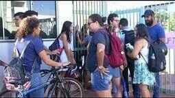 Estudantes ocupam campus da UFT em Araguaína e aulas são suspensas