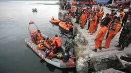 Capitão de barco que afundou em lago da Indonésia é detido