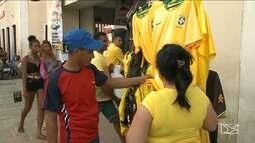 Comércio lucra com o otimismo do torcedor em São Luís durante a Copa